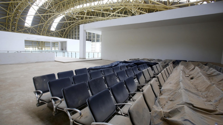 ghost-airport-rajasthan-02